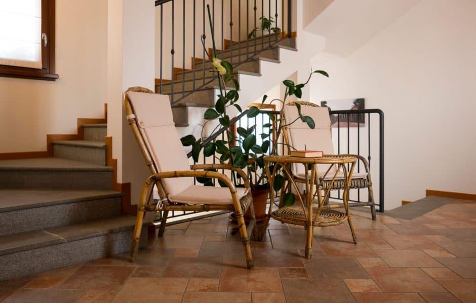 Dettaglio scale interne residence caporale - Scale interne a vista ...
